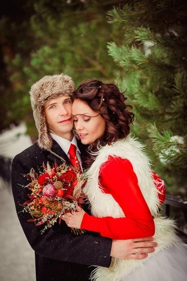 Winter red rose wedding bouquet