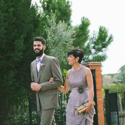 Outdoor brown wedding photo session ideas
