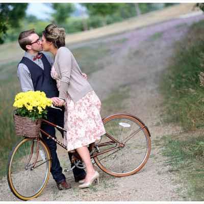 Outdoor summer wedding photo session ideas