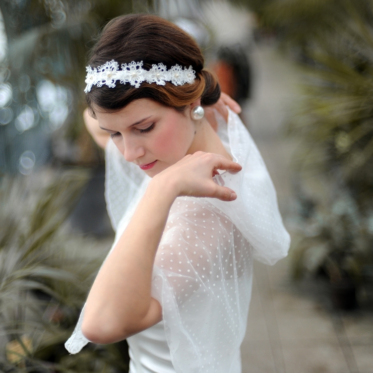 white boho feel flowery headband with white pearls and pure silk
