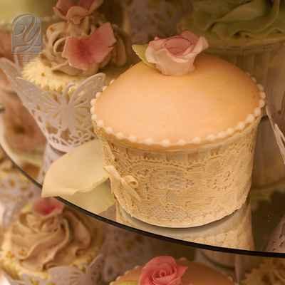 Ivory wedding cupcakes