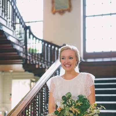 Overseas white closed wedding dresses