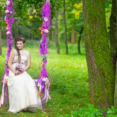 Purple photo session decor