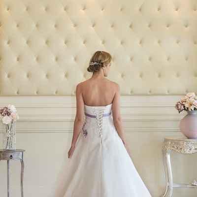 Curvy wedding dresses