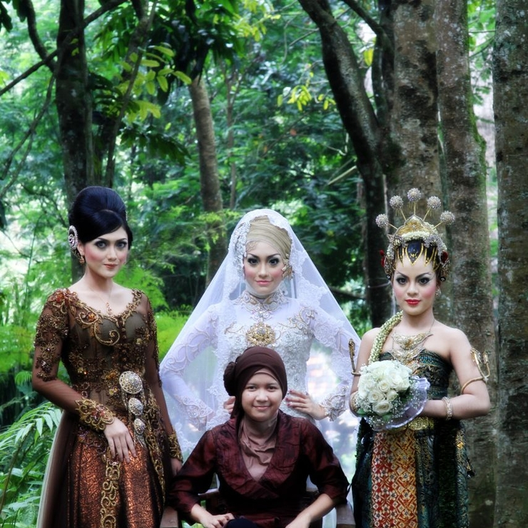 Tya Astria Wedding Gallery