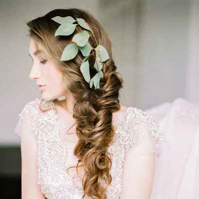 Overseas ivory bridal hair and make-up