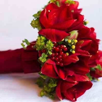 Red tulip wedding bouquet