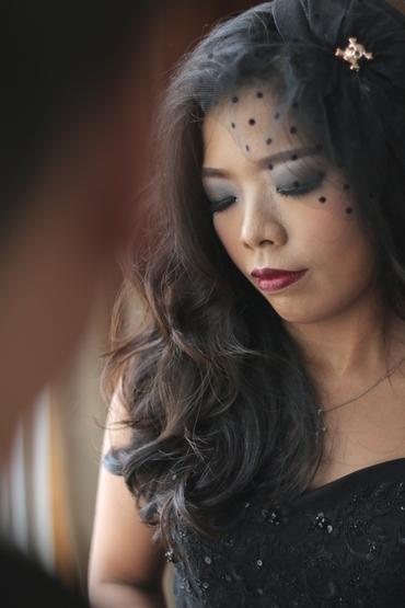 Overseas black bridal hair and make-up
