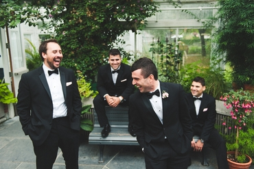 Outdoor black wedding photo session ideas