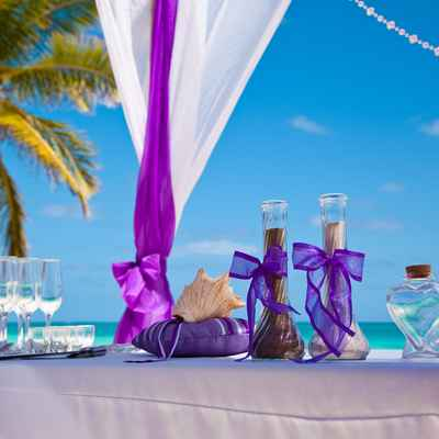 Overseas purple wedding ceremony decor