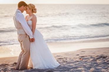 Beach white wedding photo session ideas