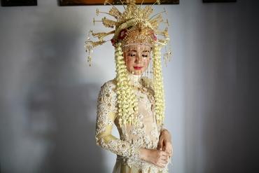 Ethnical ivory