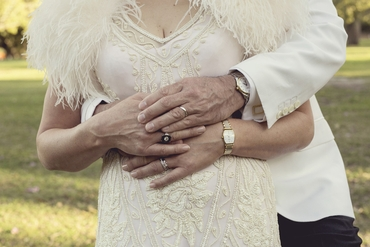 Outdoor ivory wedding photo session ideas