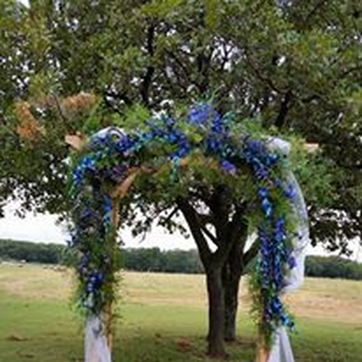 arches and ceremony flowers