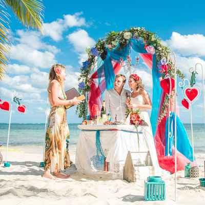 Beach blue wedding ceremony decor