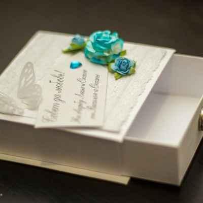 Blue wedding favours