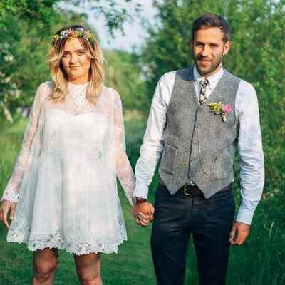 White outdoor short wedding dresses