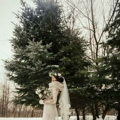 Outdoor winter ivory long wedding dresses