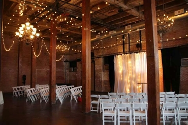 Overseas wedding ceremony decor