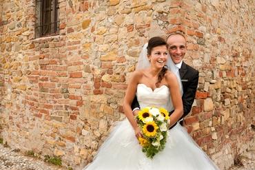 Outdoor white open wedding dresses