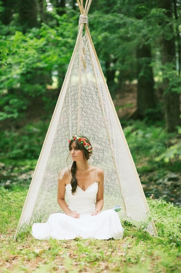 Rustic white lace wedding dresses