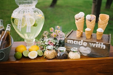 Outdoor yellow photo session decor