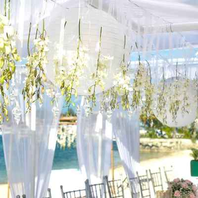 Summer wedding floral decor