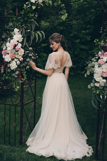 Ivory outdoor long wedding dresses
