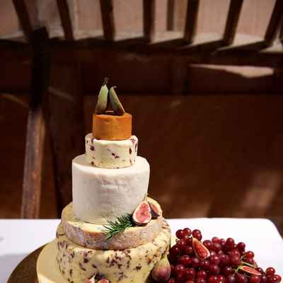 Fruit white wedding cakes