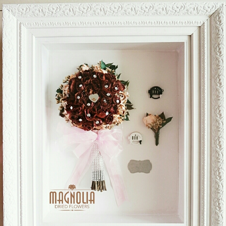 Magnolia Classic Frame 1 Handbouquet and boutenneri
