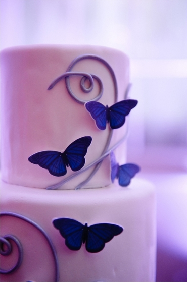 Purple wedding cakes
