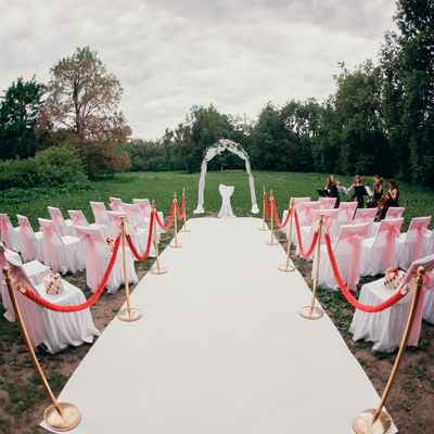 Outdoor red wedding ceremony decor
