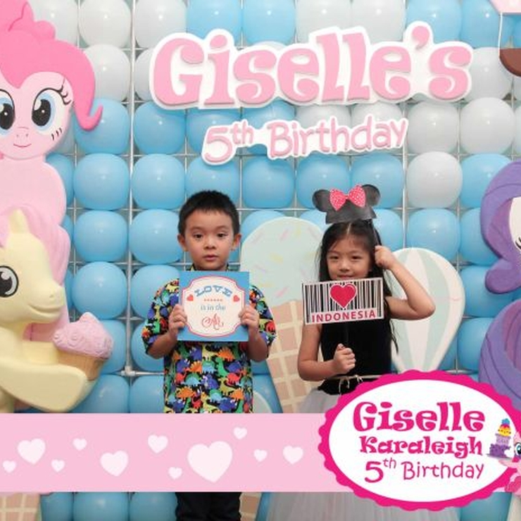 Giselle Birthday Photobooth