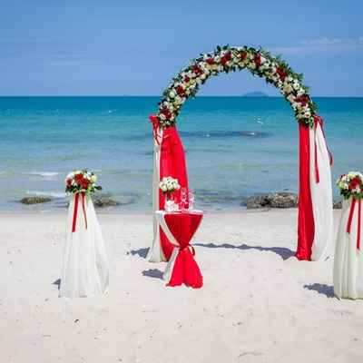 Overseas red wedding ceremony decor