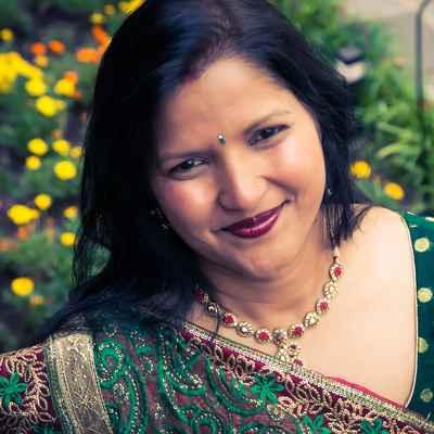 Ethnical green wedding photo session ideas