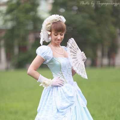 Themed summer short sleeve wedding dresses