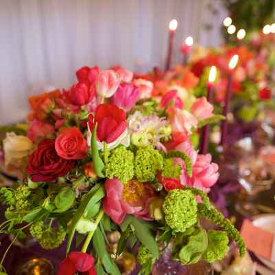 Red overseas wedding floral decor