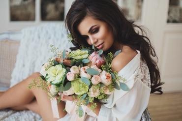 Overseas pink rose wedding bouquet