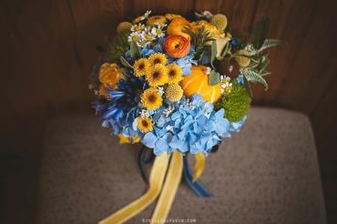 Autumn yellow rose wedding bouquet