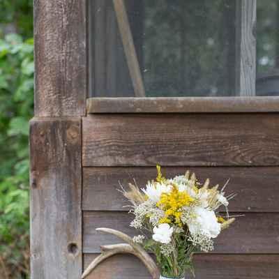 Rustic summer alternative wedding bouquet