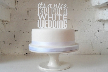 English white wedding cakes