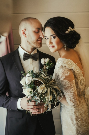 Overseas ivory lace wedding dresses