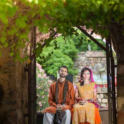 Ethnical brown wedding photo session ideas