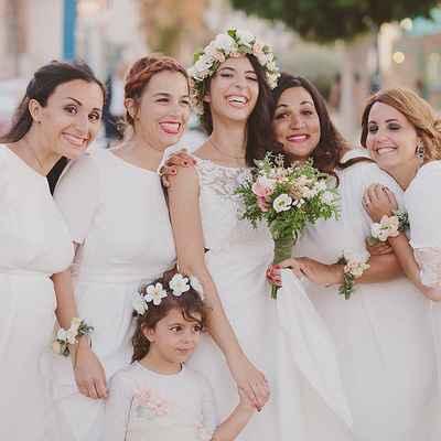 White outdoor wedding photo session ideas