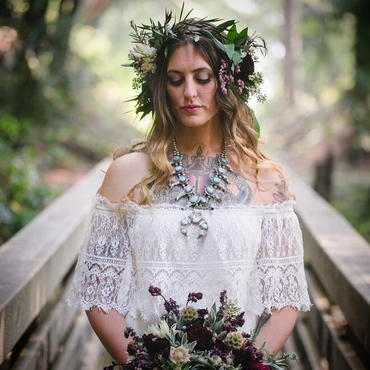 Rustic ivory bridal hair and make-up