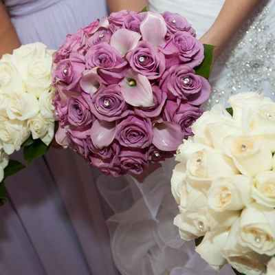 Ivory rose wedding bouquet