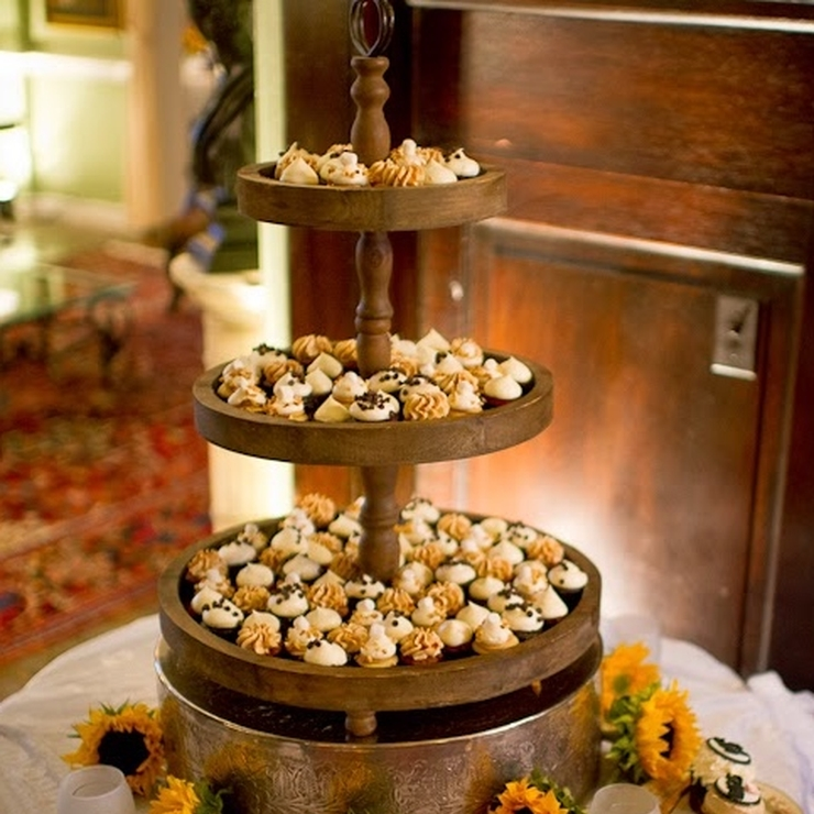 Flavor Cupcakery Dessert Displays