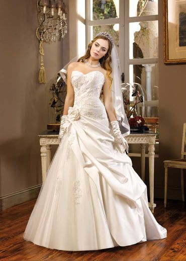 Ivory open wedding dresses