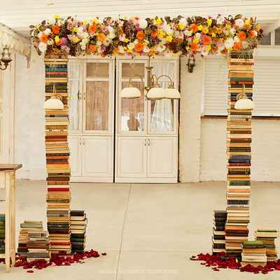 Vintage autumn wedding ceremony decor