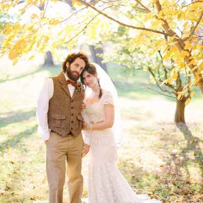 Rustic autumn groom style